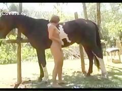 Brasileña con caballo